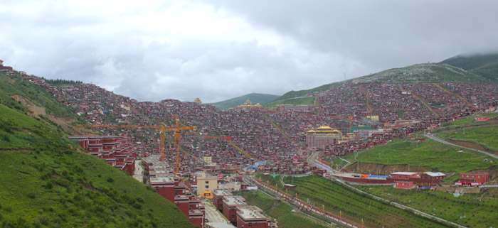 Serta Gar Monastery in Kham