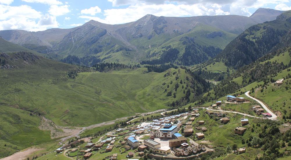 Gar Monastery in Kham Nangchen