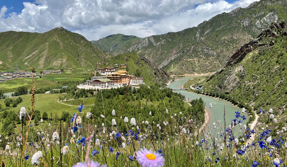 Gaden Monastery in Nangchen Surmang