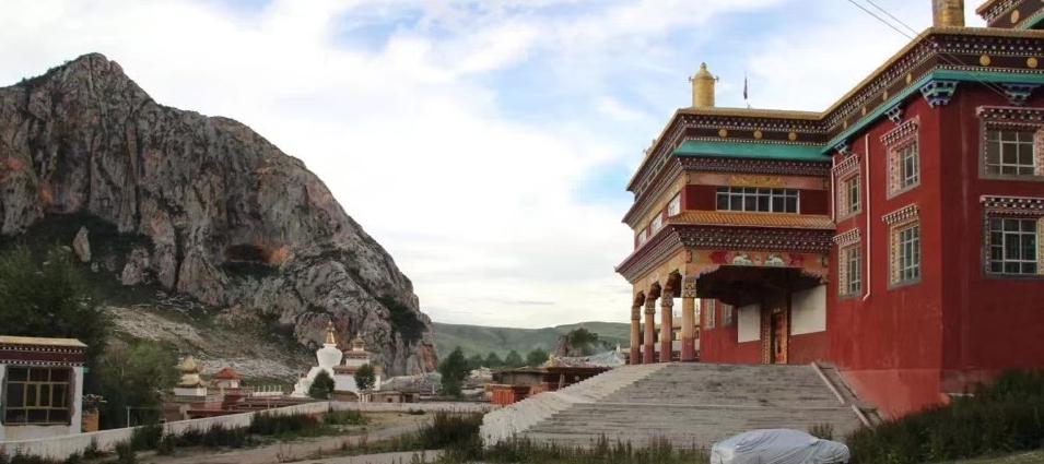 Jupra Monastery in Nangchen